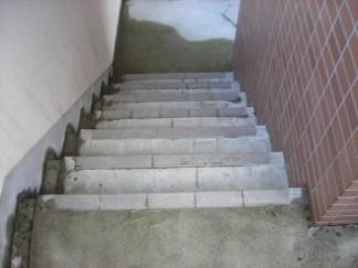 階段修繕前