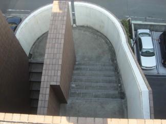 屋上階段修繕前