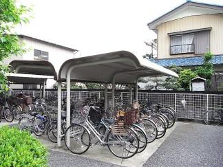 駐輪場(修繕後)