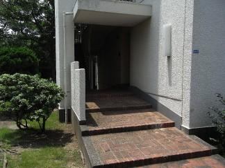 階段室(修繕前)