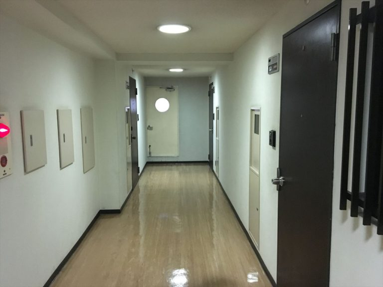 着工前の廊下の写真