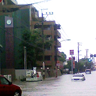 ゲリラ豪雨では一気に水嵩が増すことも