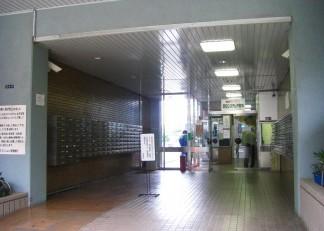 エントランスホール(修繕前)