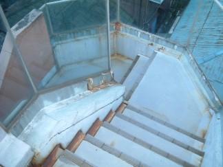 階段(修繕前)